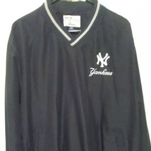 Other - Official Yankees vintage pullover